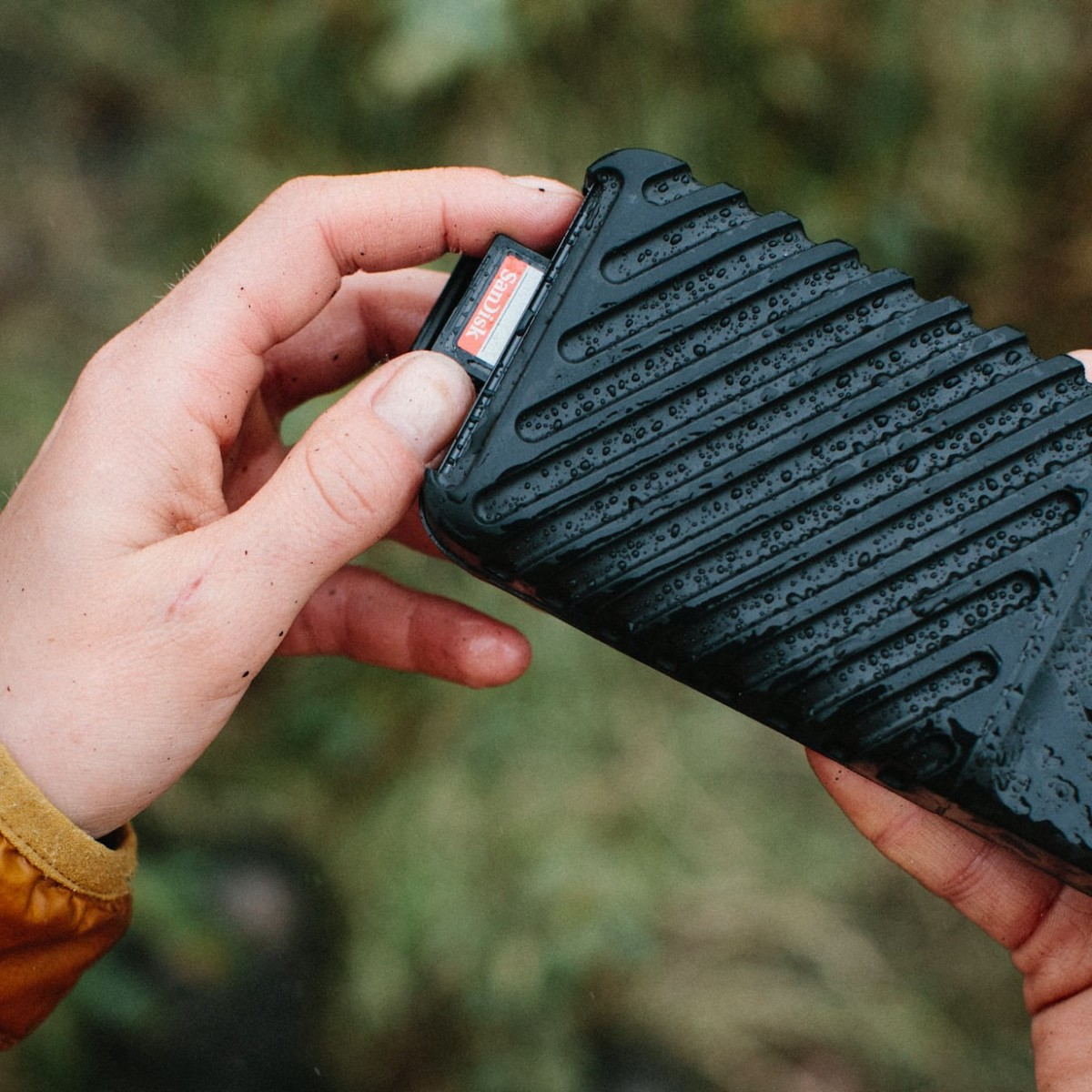 GNARBOX 2.0 SSD Rugged Backup Device helps you manage files in the field without a laptop