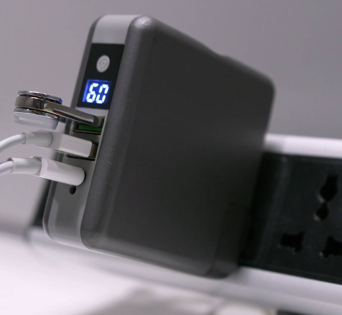 GOSPACE SuperCharger 2.0 File-Transferring Power Bank provides multiple functions in one device