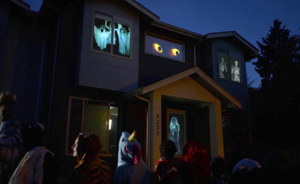 Halloween decorations - AtmosFX Digital Decorating Kit Holiday Scene Projector