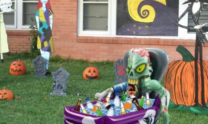 Halloween decorations - Halloween Party Inflatable Zombie Drink Cooler