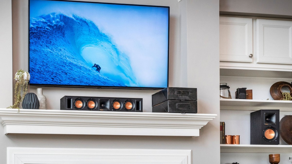 Klipsch RW-34C Wireless Center Channel Entertainment Speaker provides a wire-free home media experience