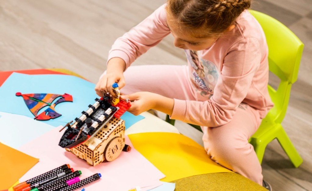 coding robot to use your LEGO pieces