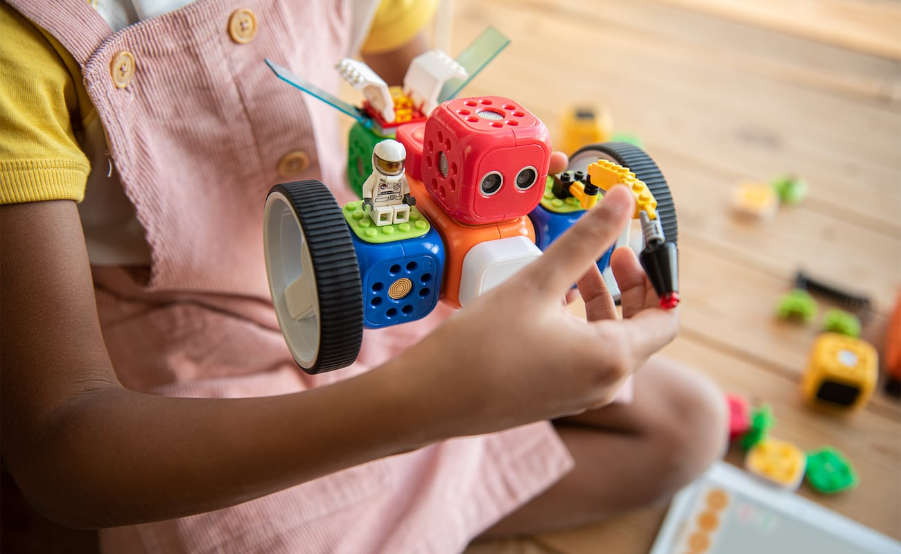 Robo Wunderkind Kids Coding & Robotics Platform disguises learning code as lots of fun