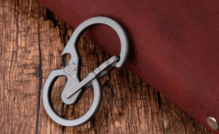 """RovyVon Utility U8 Quick-Release <em class=""""algolia-search-highlight"""">Carabiner</em> doubles as a bottle opener"""