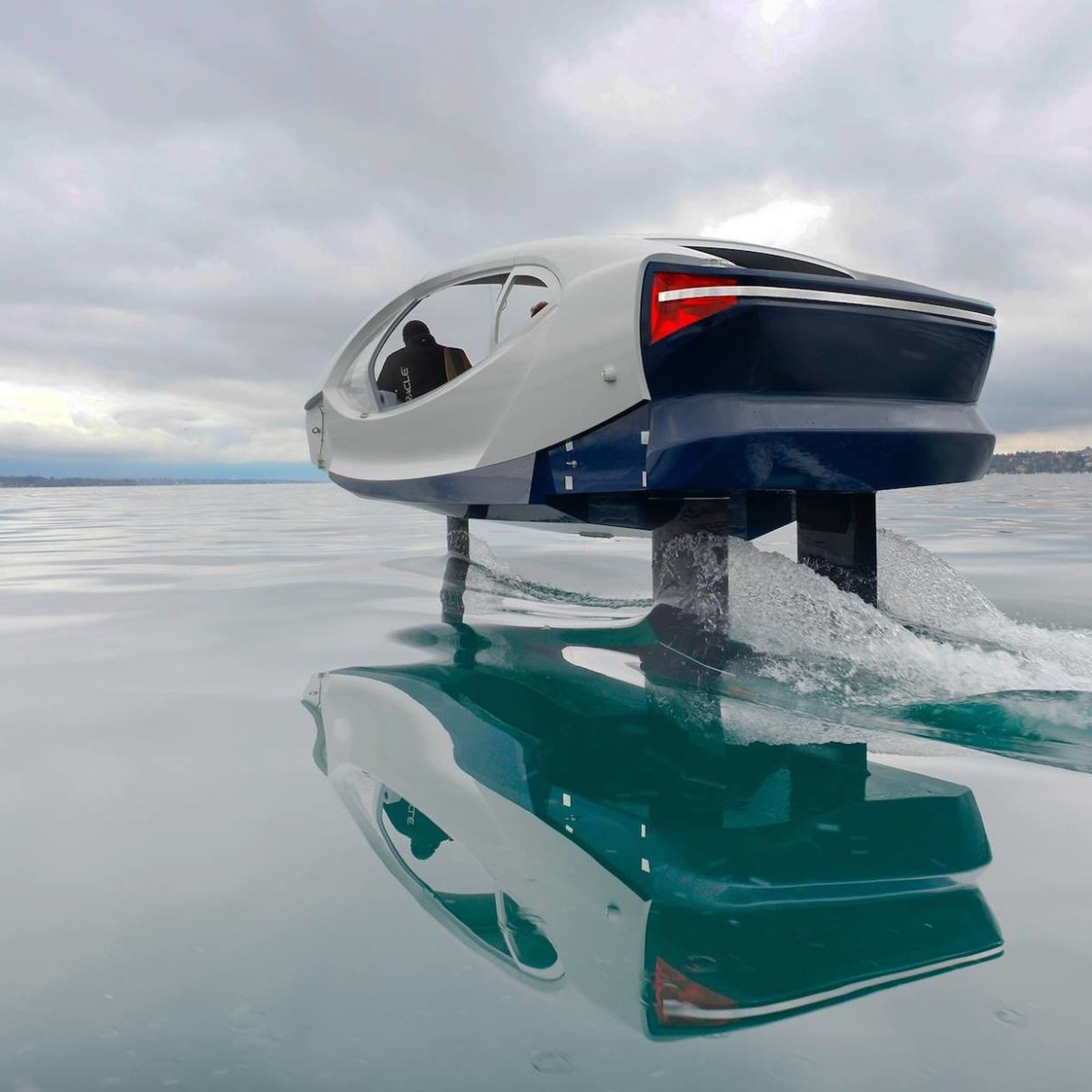 SeaBubbles The Bubble Autonomous Water Vehicle creates no emissions