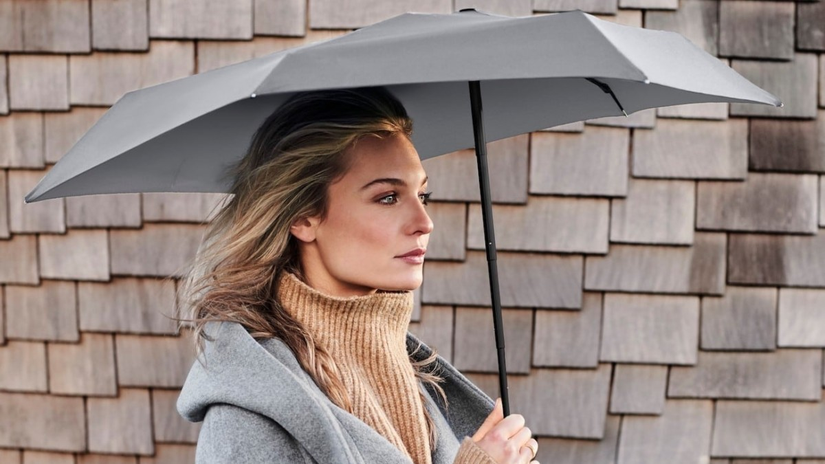 Senz° Micro Pocket-Sized Umbrella guards you against wind and rain