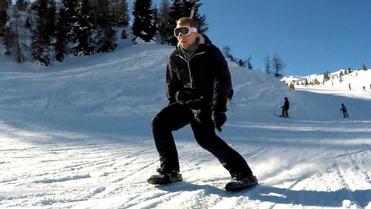 Snowfeet 2 Mini Ski Shoe Attachment turns your shoes into skiskates