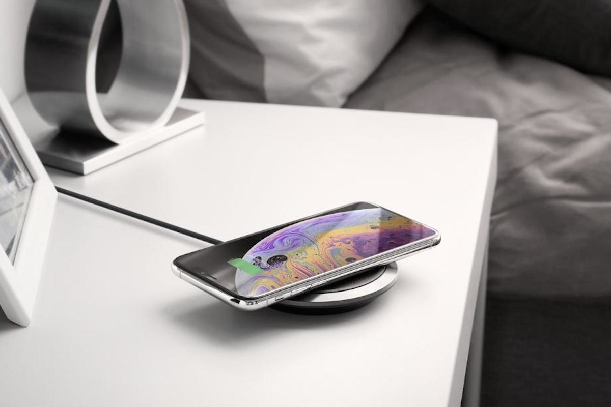 Spigen F308W Leather Wireless Charger can fast charge a phone in 3 hours