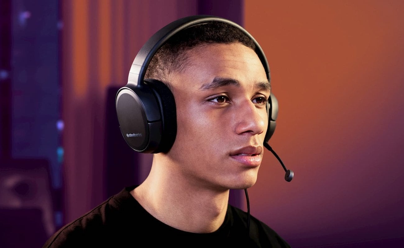 SteelSeries Arctis 1 All-Platform Gaming Headset works with whatever setup you use