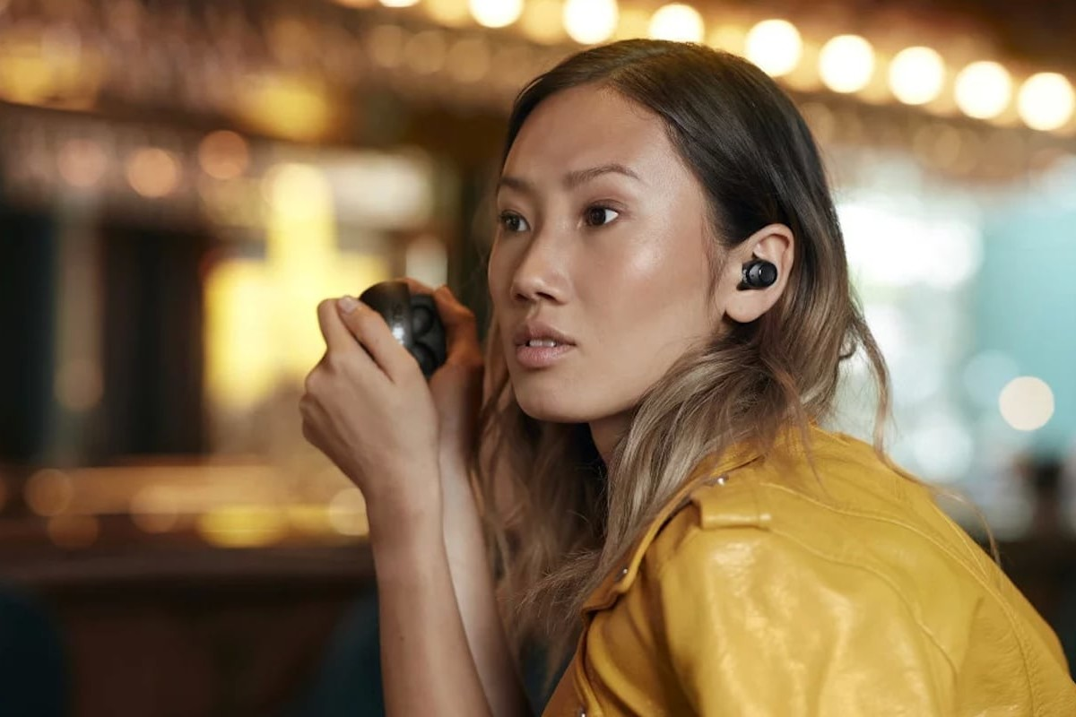 Sudio Tolv R Ultralight Wireless Earphones play music for up to 22 hours