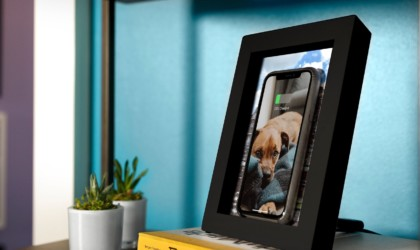 PowerPic has a changeable digital display