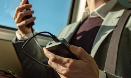 best gadgets to charge devices on the train