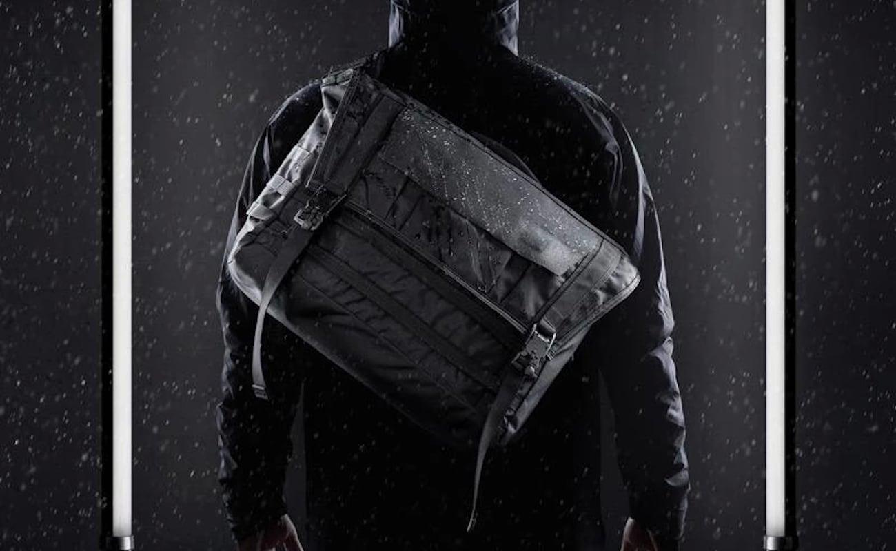 Mission Workshop Khyte Weatherproof Laptop Messenger Bag has a 24-liter main compartment