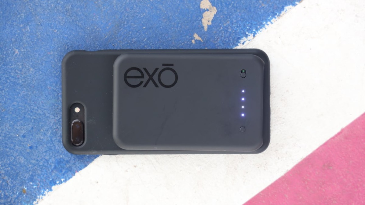 Juice Card Magnetic Wireless Universal Power Bank by exō adheres to your device with magnets