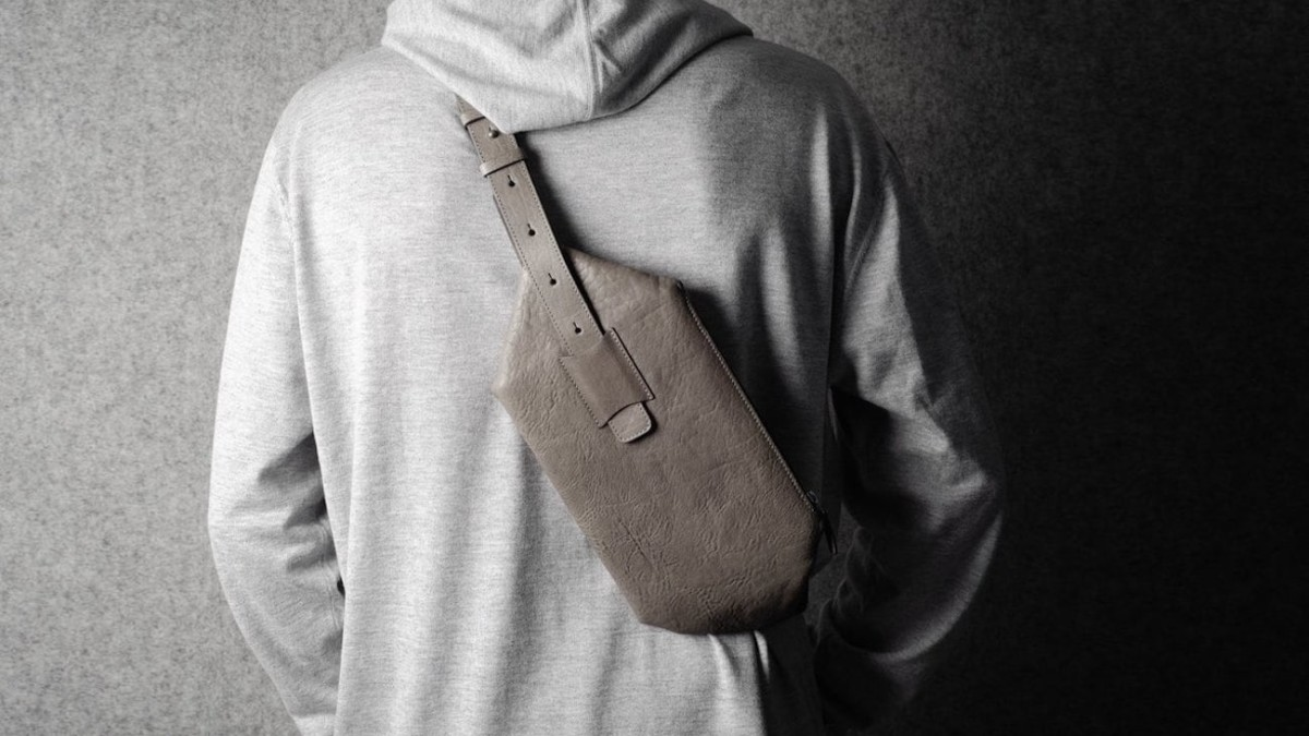 hardgraft Valet Pack Cross-Body Bag works with both a sling or hand strap