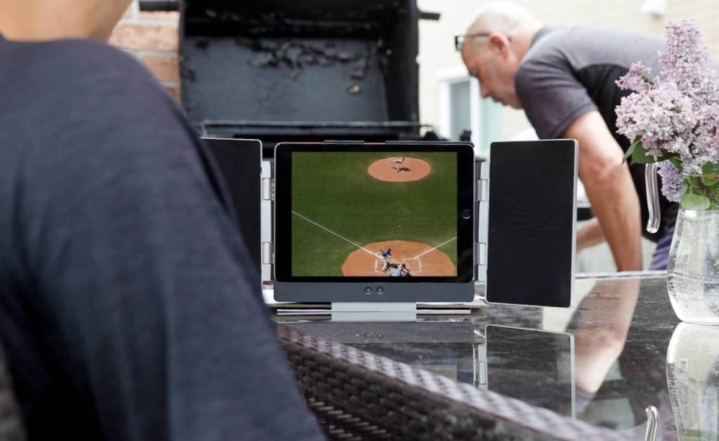 ipad stands - OIO Amp iPad Speaker Stand 1