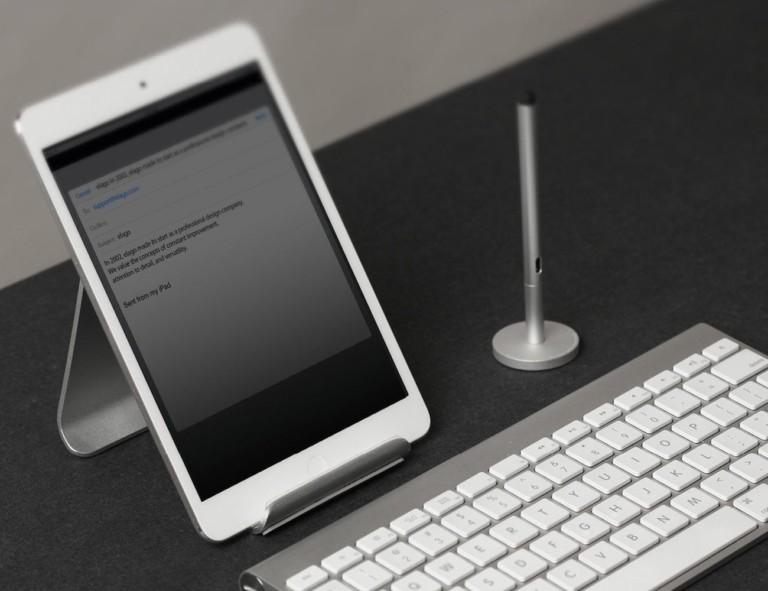 ipad stands - elago P3 Aluminum Smartphone Stand 2