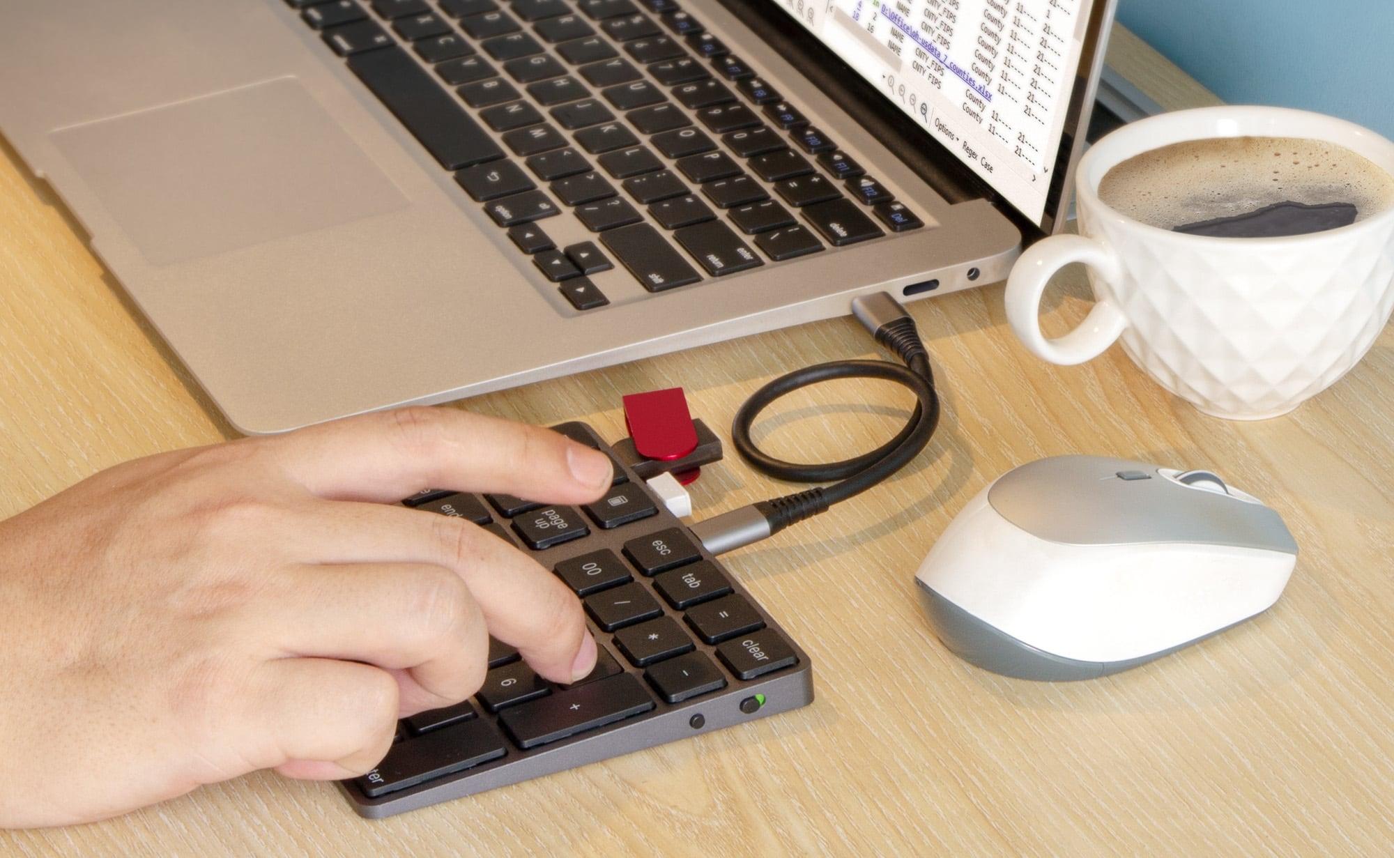 useful gadgets 2019 - VOAMOKO USB-C Numeric Keypad Bluetooth Numpad