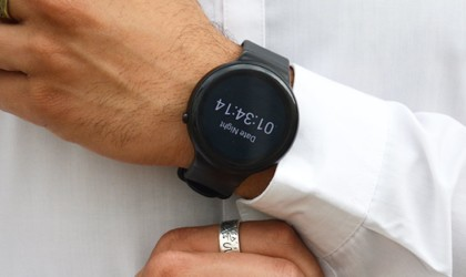 useful gadgets 2019 - emit Minimalist Productivity Smartwatch 02