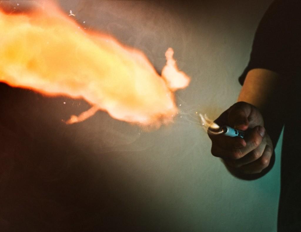 weird gadgets - Ellusionist Pyro Wireless Fireball Shooting Pen