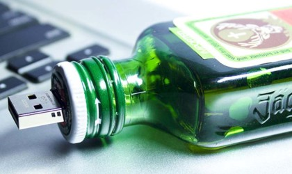 weird gadgets - Jagermeister Themed Flash Drive USB