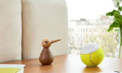 weird gadgets - hearO Wimbledon Tennis Ball Speaker 1