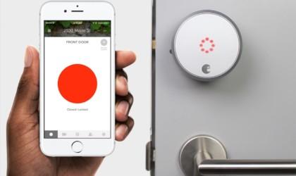 August lock showing it's locked on door and in app