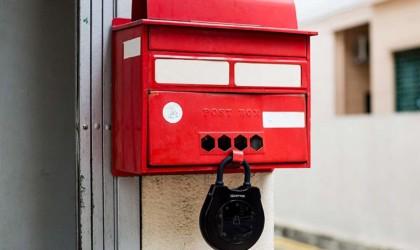 Igloo locking a mailbox