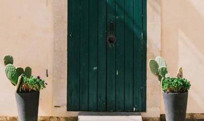 Igloo locking a green external door
