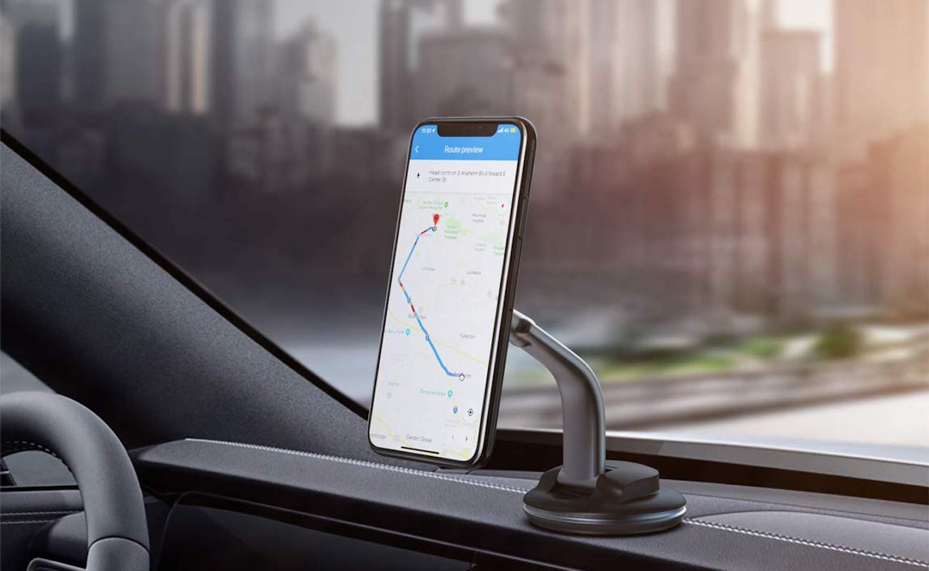 AUKEY HD-C49 360º Vehicle Phone Mount rotates and adjusts for a variety for viewing angles