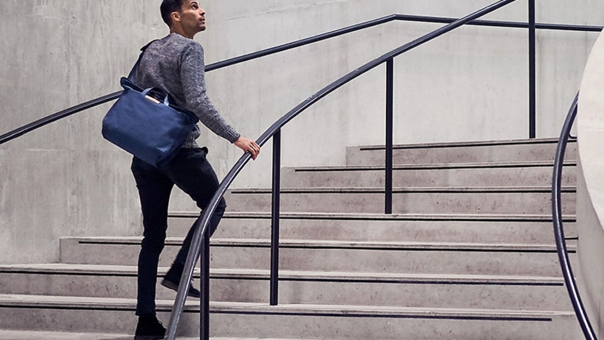 Bellroy System Work Bag Modern Messenger secures all your belongings in place