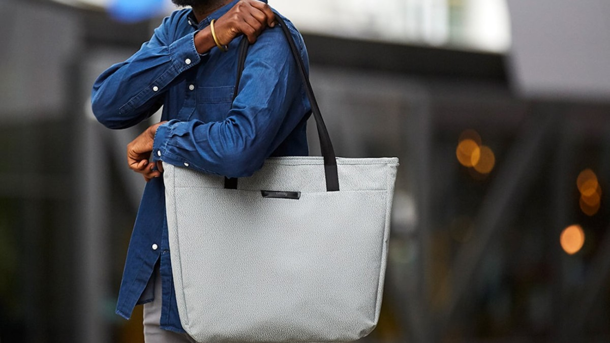 Bellroy Tokyo Tote Over-Shoulder Bag is comfortable to wear all day long