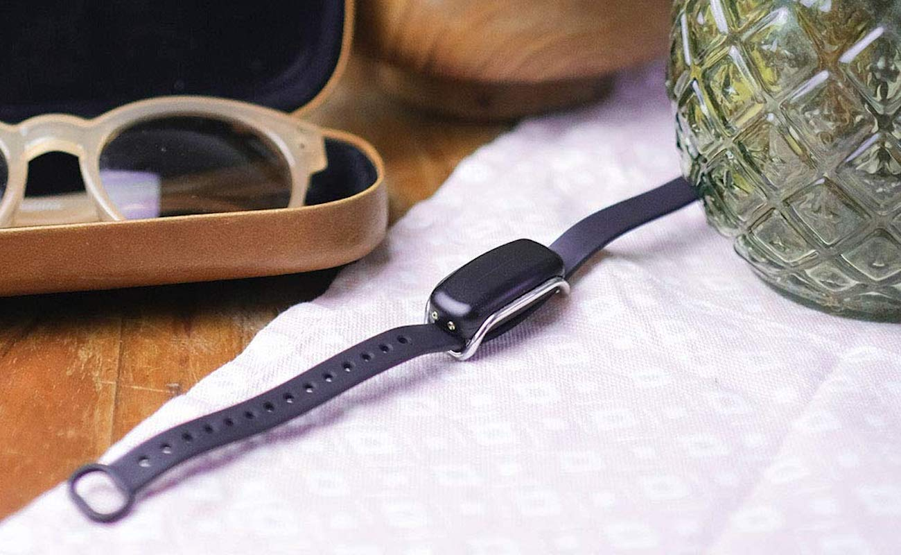 Bond Touch Relationship Bracelet lets your partner know when you're thinking of them