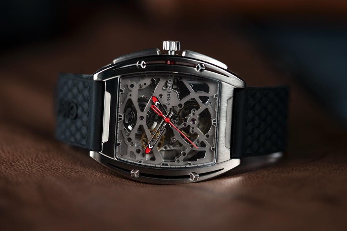 CIGA Z Series Titanium Hollow Mechanical Watch shows everything inside