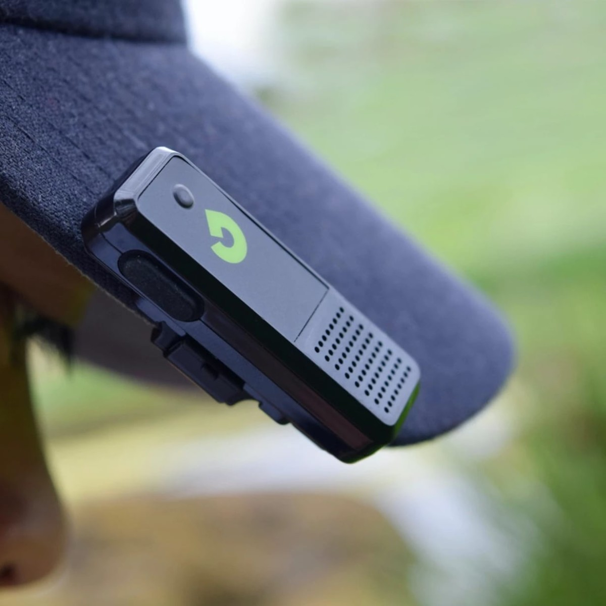 GoGolf GPS Bluetooth Rangefinder accurately measures your golfing distances