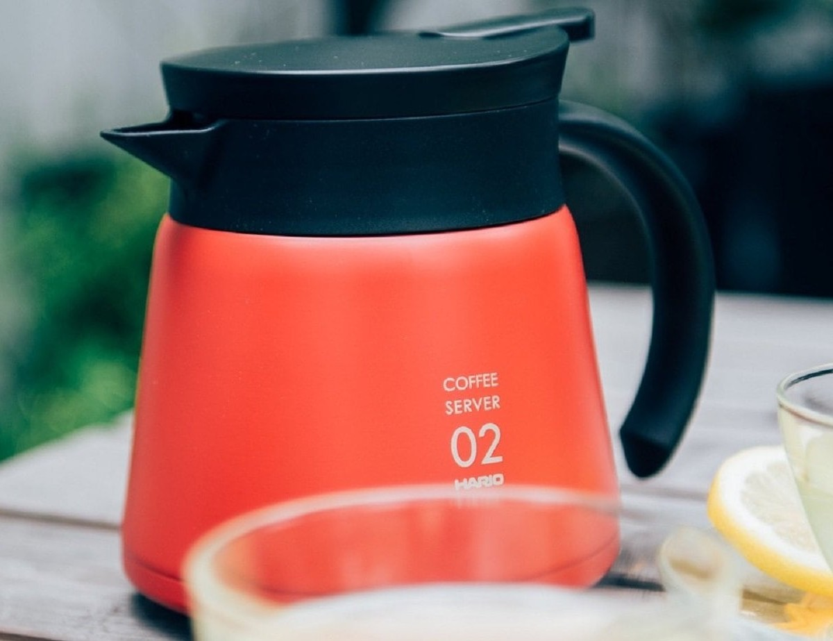 HARIO V60 insulated stainless steel server keeps drinks warm for up to 90 minutes