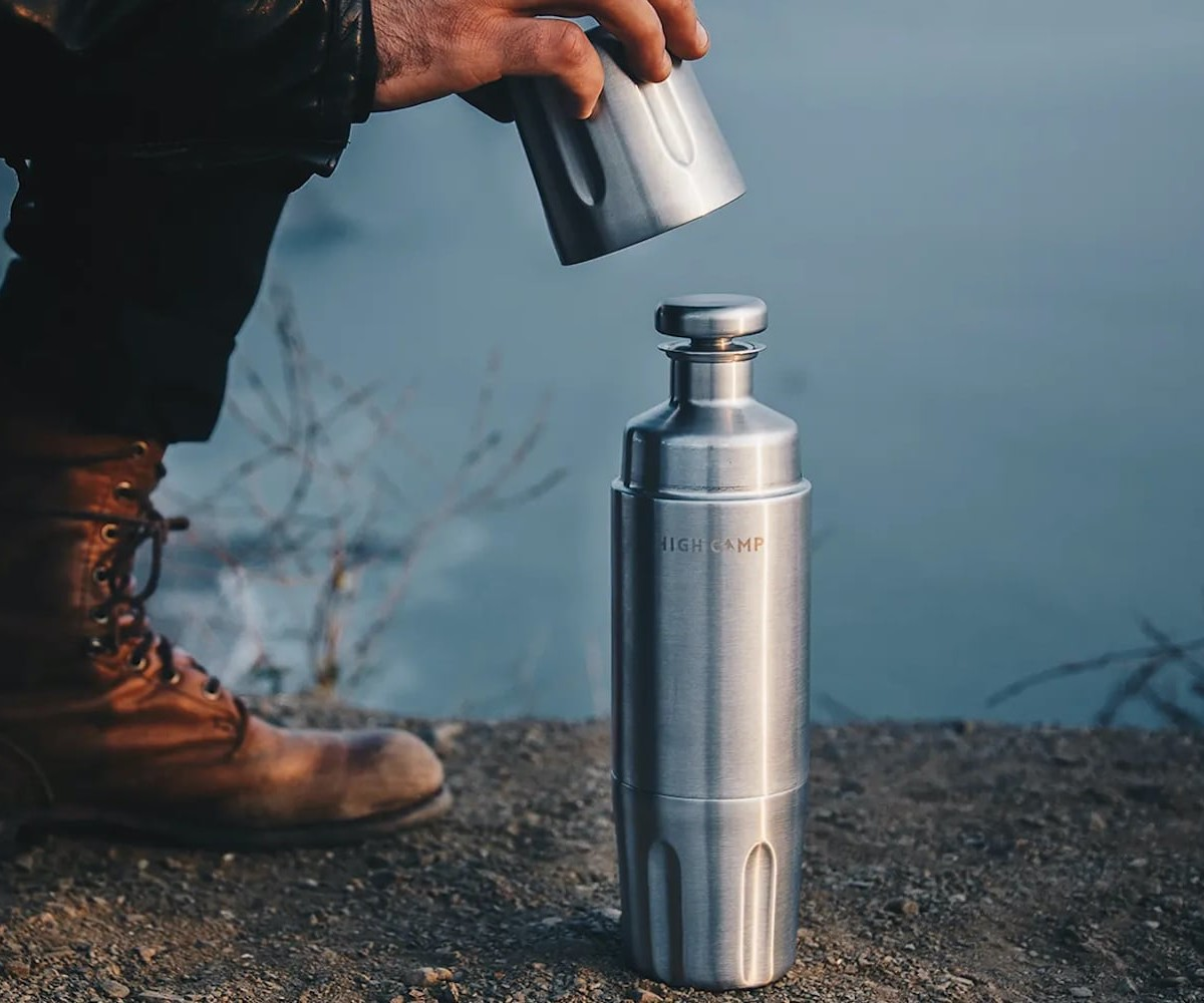High Camp Firelight 750 Magnetic Flask is an insulated bar set to go with you anywhere