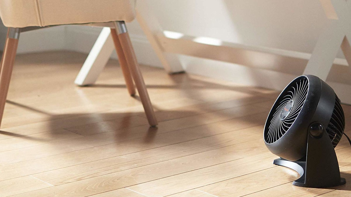 Honeywell TurboForce Air Circulator Tabletop Fan pivots 90º to circulate the air in any room