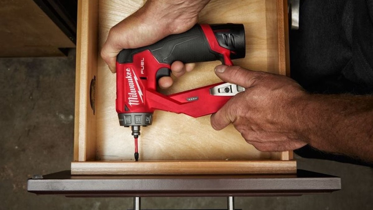 Milwaukee M12 FUEL Installation Drill & Driver helps you easily access tight spaces