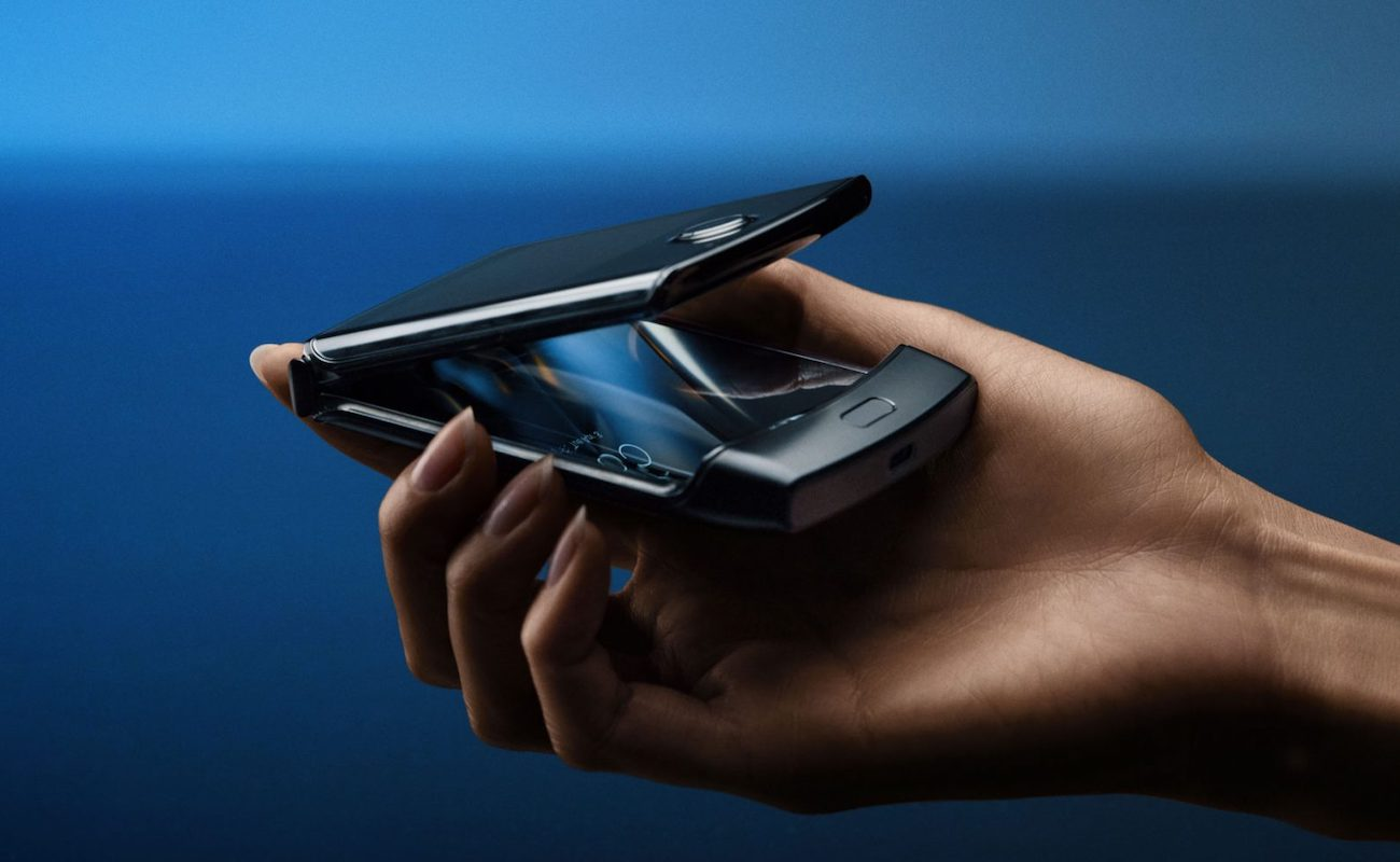 Motorola razr V4 Folding Smartphone is a modern take on the hinged design you know and love