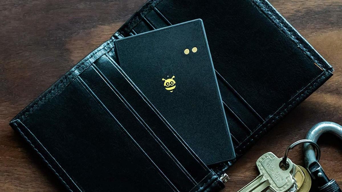 Pebblebee BlackCard Wallet Finder ensures you keep track of your essentials
