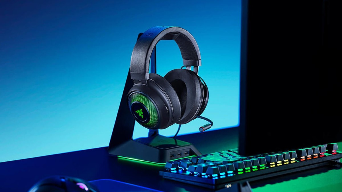 Razer Kraken Ultimate PC Gaming Headset provides a location-accurate listening experience