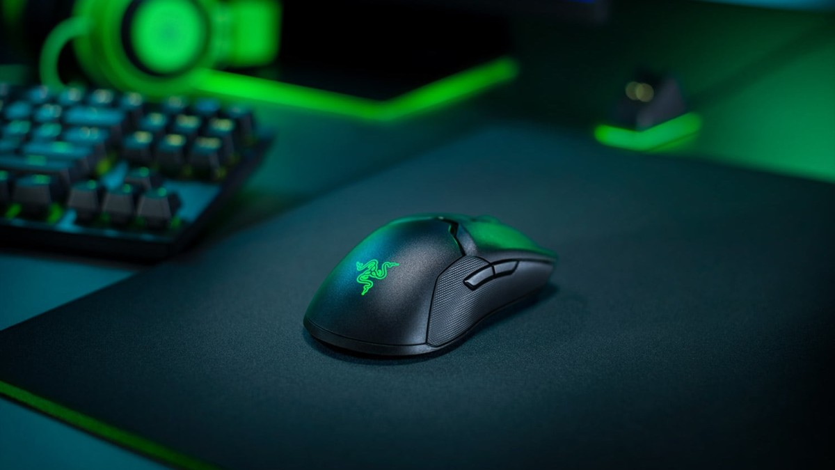 Razer Viper Ultimate Hyperspeed Wireless Gaming Mouse integrates new sensor tech in a lightweight body