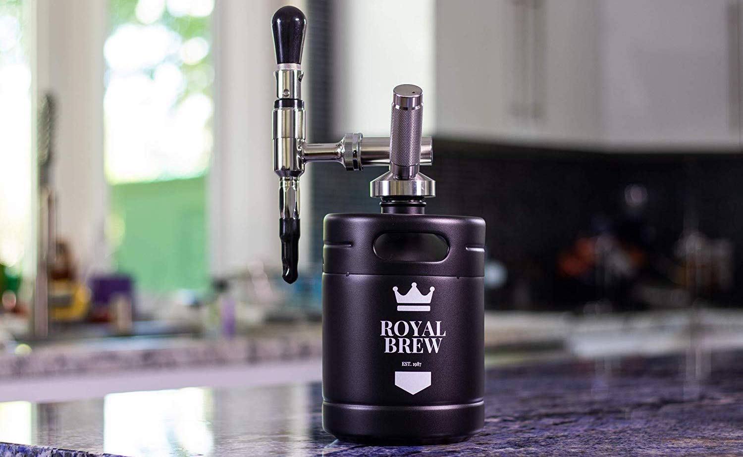 Royal Brew Cold Brew Maker Coffee Keg provides you with endless nitro-infused iced coffee