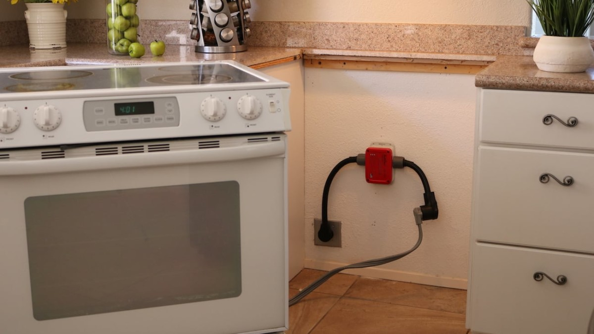 SafeOven Smart Oven Sensor can prevent disaster