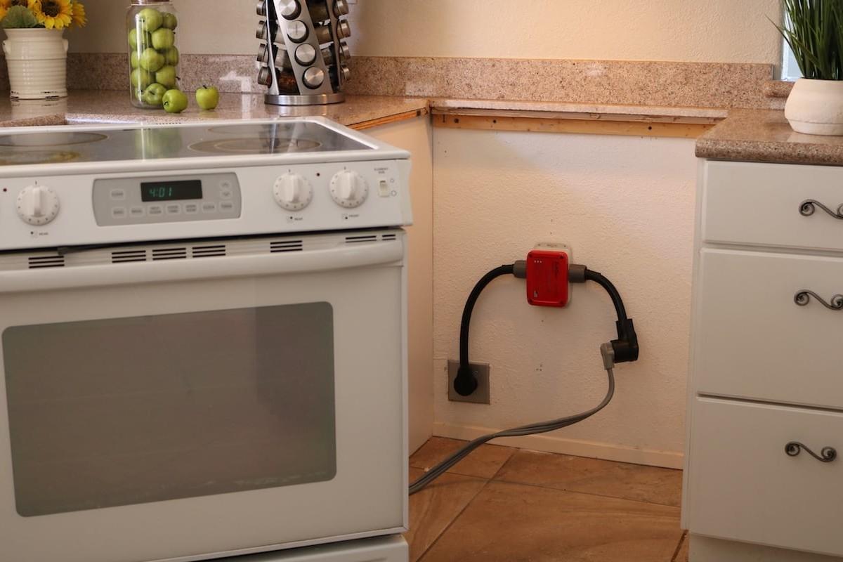 SafeOven Smart Oven Sensor can prevent disaster