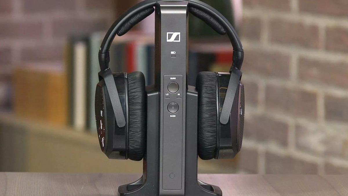 Sennheiser RS 175 Wireless Headphone System gives you multiple listening mode options