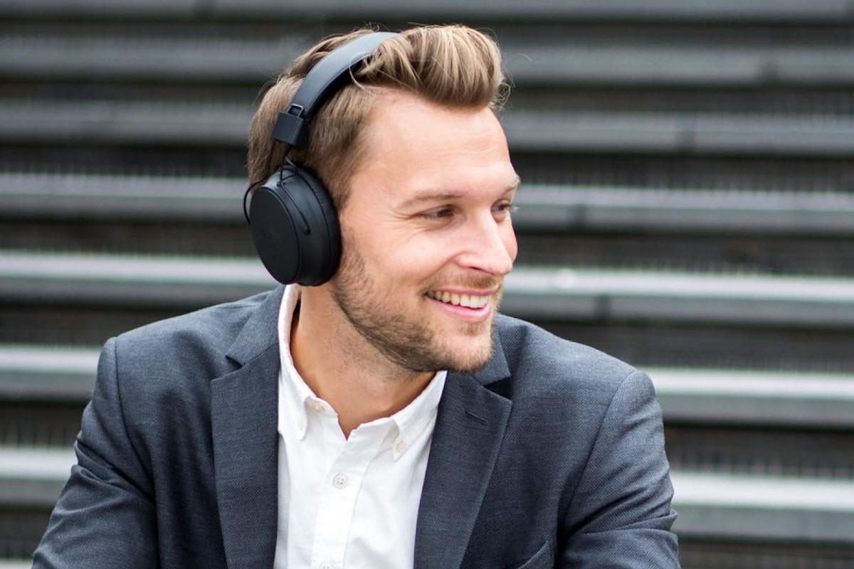 Sudio Klar 3-Button Headphones use active noise-canceling immersive technology