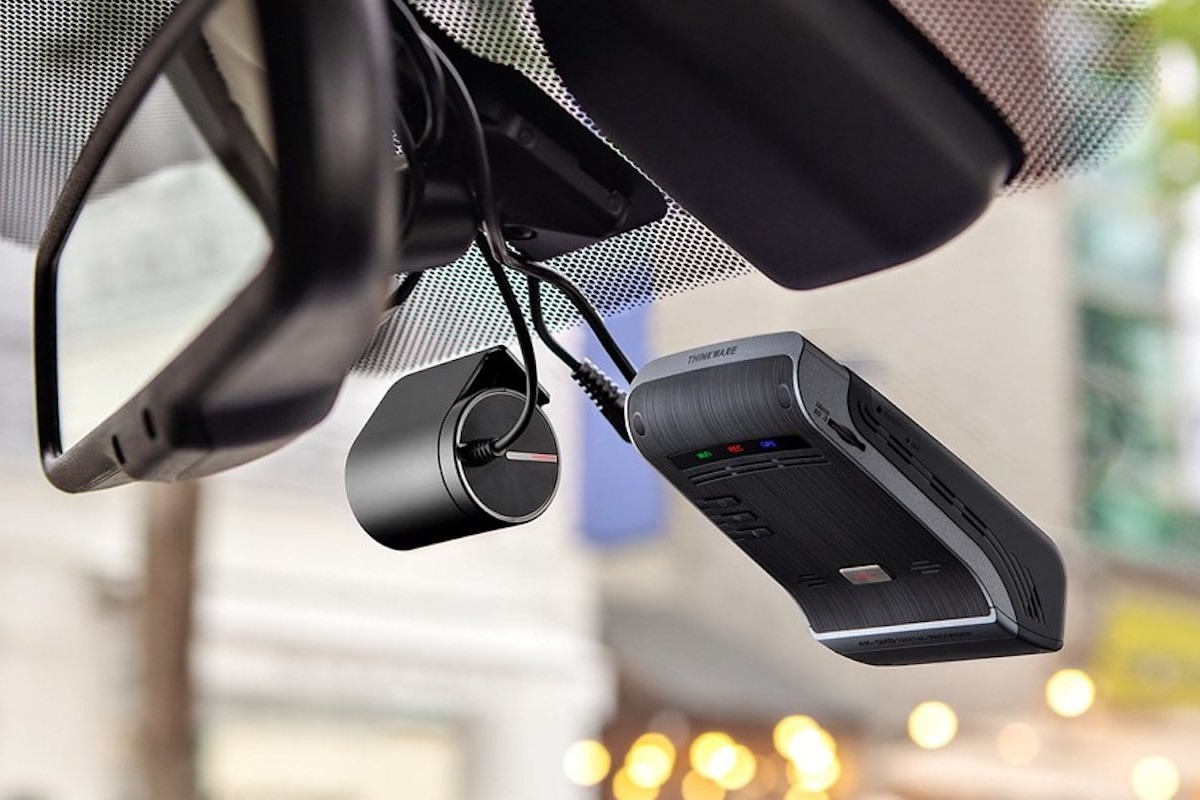 Thinkware U1000 Front & Rear Dash Cams offers a warning system for drivers
