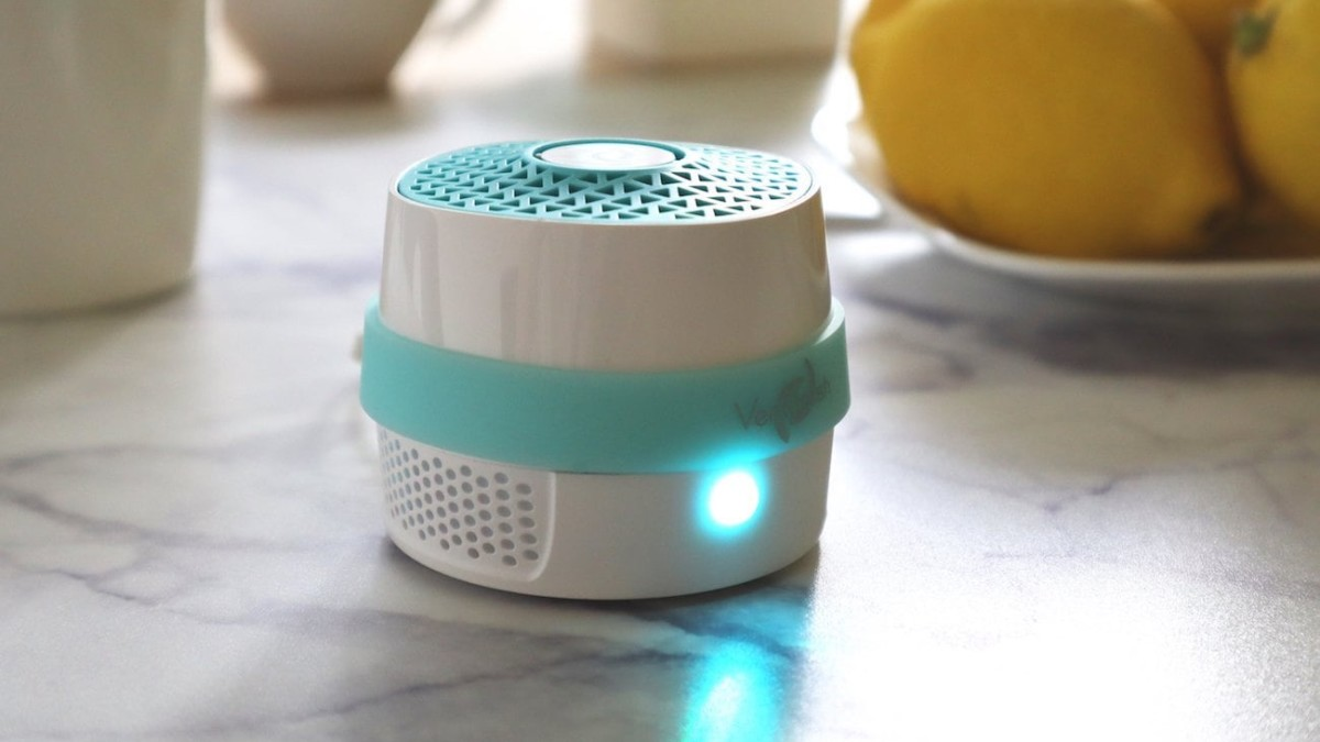 VentiFresh ECO Compact Odor Eliminator uses UV photocatalyst technology